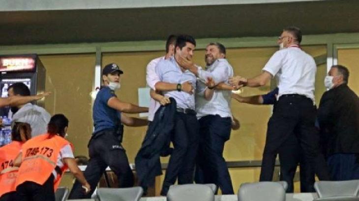 Seyircisiz maçta yöneticiler tekme tokat kavga etti