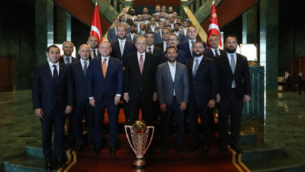 Erdoğan Saray'da Başakşehir'i ağırladı
