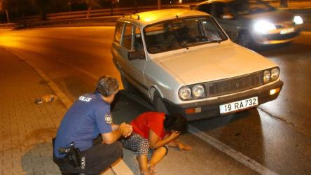 Tacize uğrayan kadın, hareket halindeki otomobilden atladı