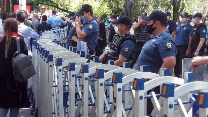 Baro başkanlarına Kuğulu Park'ta da abluka!