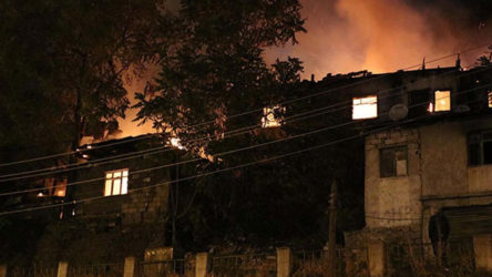 Mamak'ta gecekondu yangını: 1 kişi hayatını kaybetti