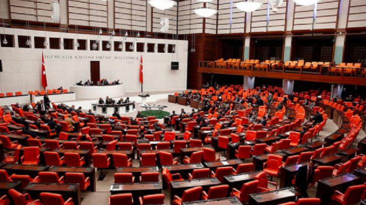 'Paralel baro' düzenlemesini içeren kanun teklifi AKP ve MHP oylarıyla kabul edildi