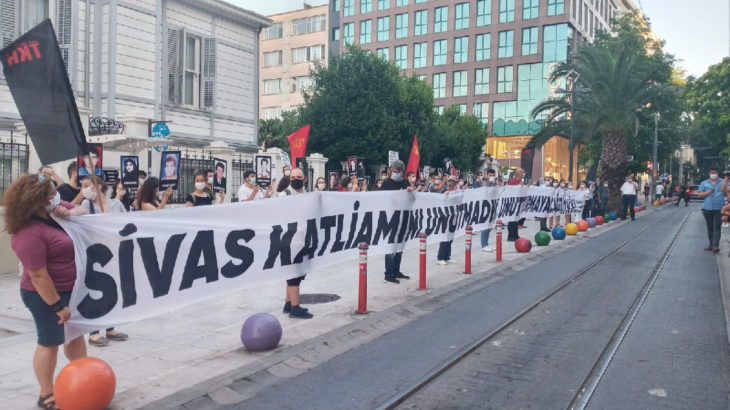TKH İstanbul İl Örgütü'nden Sivas Katliamı anması