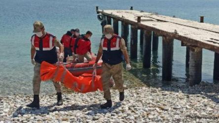 Van Gölü'nde batan teknede ölü sayısı 54'e yükseldi