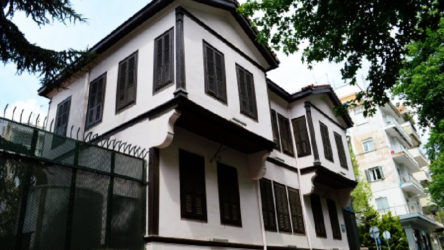 Yunanistan Atatürk Evi'ni ziyarete kapattı
