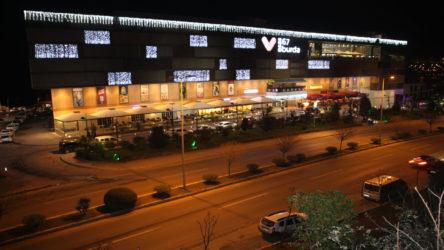 AVM'de salgın: 2 mağaza kapatıldı