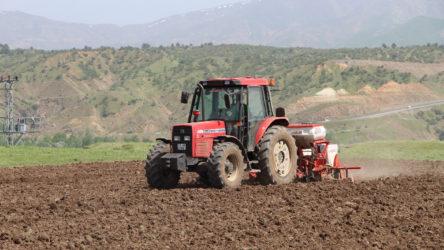 Pakdemirli'ye göre çiftçinin borcu bankanın sırrı