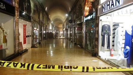 Bursa Tarihi Bakırcılar Çarşısı'nda yangın