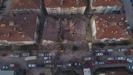 Elazığ depreminde 14 yurttaşın can verdiği Dilek apartmanı: 13 yıl önce ağır hasar almış, sadece güçlendirme yapılmış