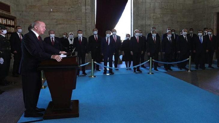 Erdoğan'dan Anıtkabir'de Doğu Akdeniz ve 2023 mesajı
