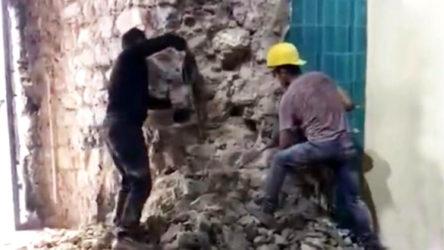 Galata Kulesi'nde restorasyon adı altında yıkım