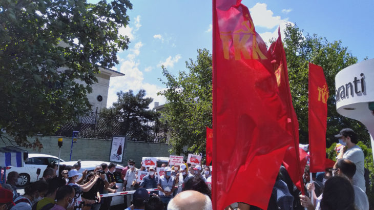 Cargill işçileri direnişlerinin 853. gününde genel müdürlük önünde eylemdeydi