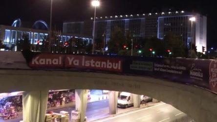 İBB'nin Kanal İstanbul karşıtı afişleri polisler tarafından söküldü!