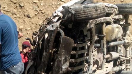 Yüksekova'da araç uçuruma yuvarlandı: Çok sayıda ölü var