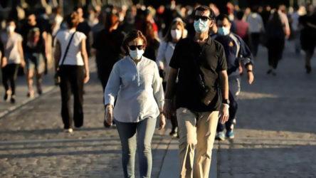 Türkiye'de koronavirüs: 15 kişi daha hayatını kaybetti, 1185 yeni vaka