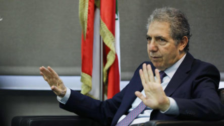 Lübnan'da 4. istifa: Maliye Bakanı görevinden ayrıldı