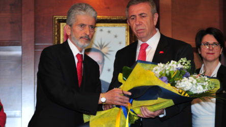 Mansur Yavaş'tan AKP'li eski başkana jest