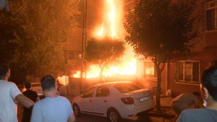 Şişli'de gecekondu yangını: Alevler çevredeki binalara sıçradı