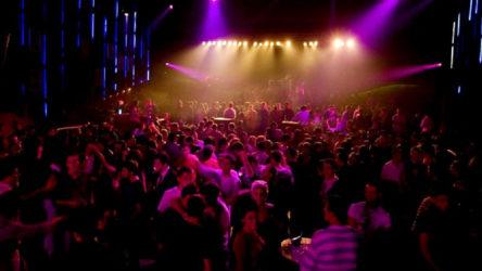 Polisin covid-19 baskını yaptığı gece kulübünde çıkan izdihamda 13 kişi öldü