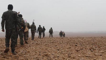 Arap aşiretleri Deyr ez Zor'da SDG'nin karargahlarını bastı