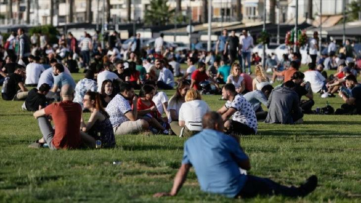 İzmir'de her gün 200-250 yeni vaka