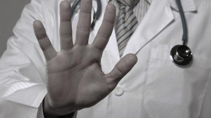 Görevi başındaki kadın doktora saldırı