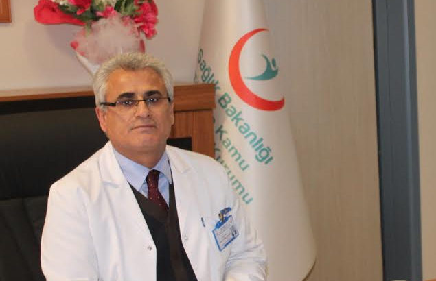 Koronavirüs tedavisi gören sağlık müdürü hayatını kaybetti