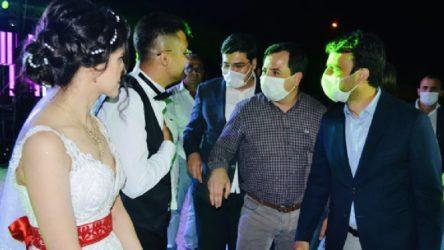 AKP'li başkanın düğününde koronavirüs önlemlerini hatırlatan polis sürüldü