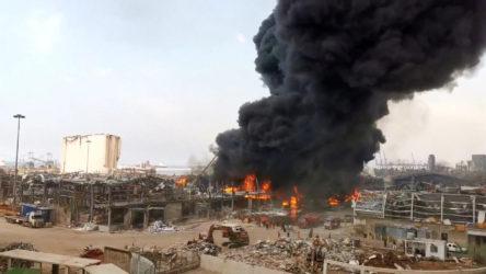 Patlamanın olduğu Beyrut Limanı'nda yangın!