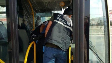 Halk otobüsü şoförü yolcuyu bıçakladı