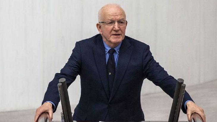 CHP'li vekil İbrahim Kaboğlu'nun aracına saldırı