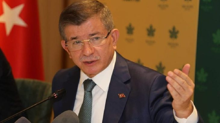 Davutoğlu'ndan emekli amirallere tepki: Darbe heveslilerine geçit verilemez
