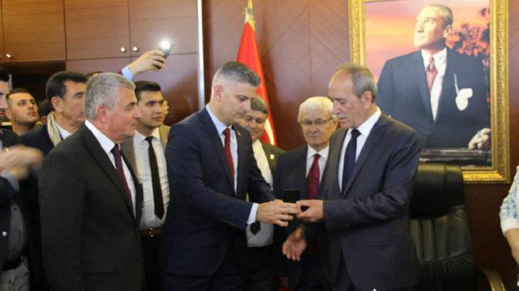 DSP'li Belediye Başkanı AKP'ye geçti