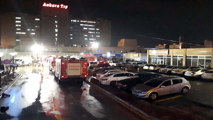 Kaldığı hastane odasını ateşe verdi