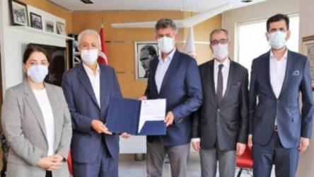 Çoklu baro için 2 bin imza toplandı, Feyzioğlu kuruluş belgesini verdi