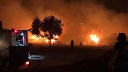 Gebze'de palet fabrikasında yangın
