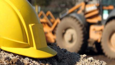 İş makinesinin altında kalan işçi yaşamını yitirdi