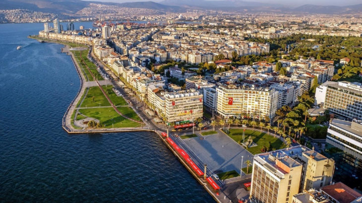 İzmir'de tüm sosyal etkinlikler iptal edildi
