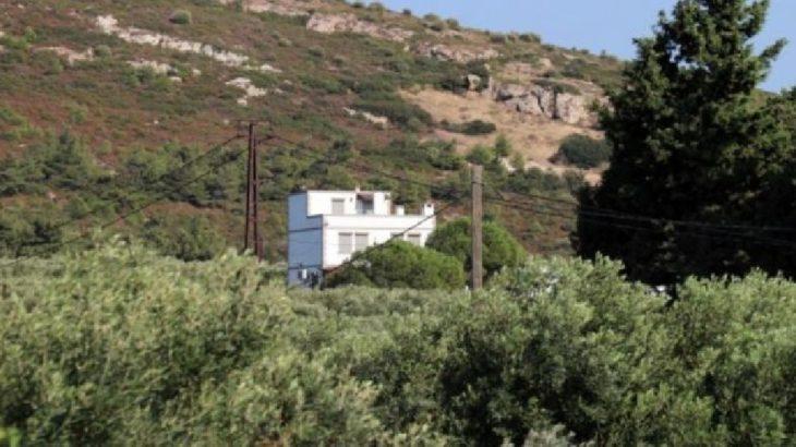 İzmir Foça'da emekli öğretmen elleri ayakları bağlı vurulmuş halde bulundu