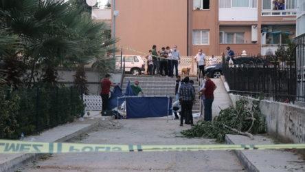 İzmir'de kadın cinayeti: 2 kişi hayatını kaybetti, 1 ağır yaralı