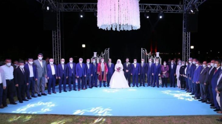 Kısıtlamalara uymayarak oğluna 1500 kişilik düğün yapan AKP'li Cemil Yaman'a ceza yerine atama