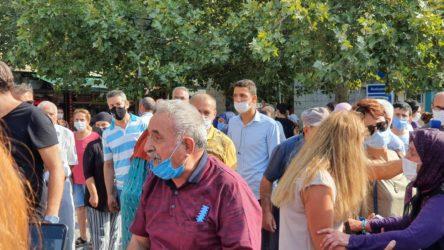 Konak'ta bir yurttaş Valilik önünde kendini yakmaya kalktı