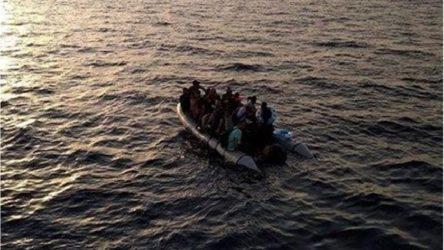 Libya'da göçmenleri taşıyan bot battı: 15 göçmen hayatını kaybetti