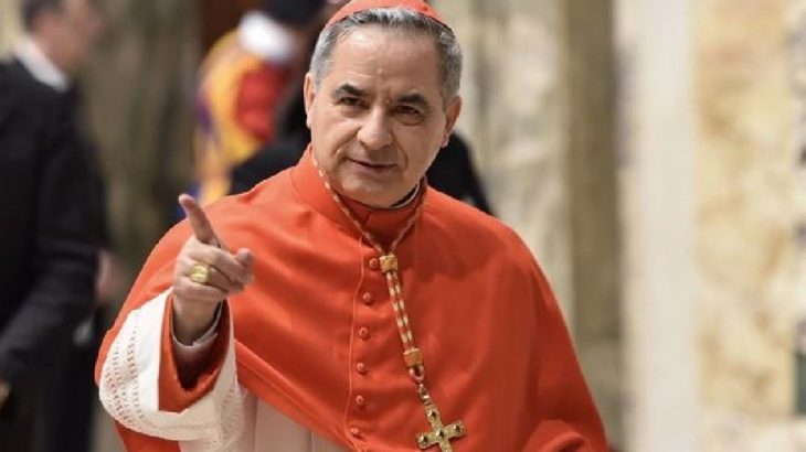 Papa'nın 'sadık hizmetkarı' istifa etti