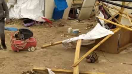 Polatlı'da kum fırtınası mevsimlik işçilerin çadırlarını yıktı