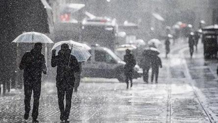 Meteorolojiden kuvvetli yağış uyarısı: Ani sel ve su baskınlarına dikkat