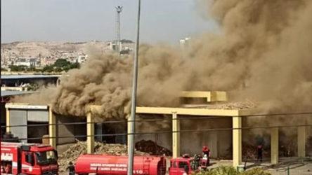 İtfaiye ekipleri fırında çıkan yangına müdahale ederken patlama!