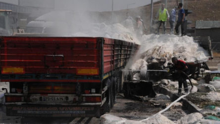 Şırnak Cizre'de Freni boşalan TIR, önündeki TIR'a çarptı: 3 ölü, 2 yaralı