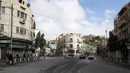 Ürdün'de salgın nedeniyle okullar ve camiler yeniden kapanıyor