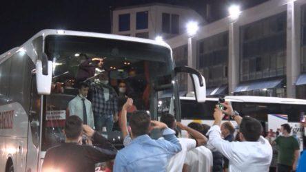 İstanbul'da yasağa rağmen asker uğurlama törenleri devam ediyor